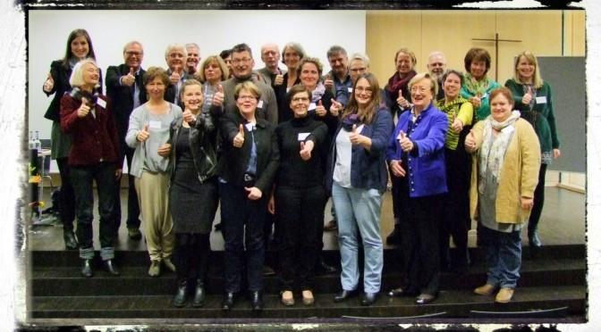 Gruppenbild Mitwirkende Herbstakademie 2015 Polaroid