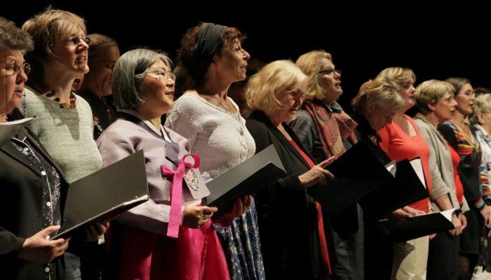 Praktische Arbeitshilfen und neues Wissen zu Kultureller Bildung im Alter und Inklusion